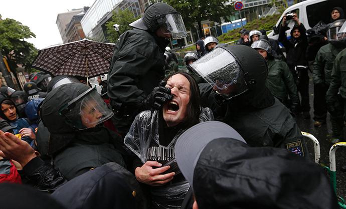 Polícia é o símbolo da democracia