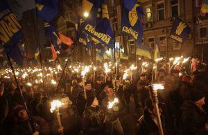 facistas em manifestação em Kiev
