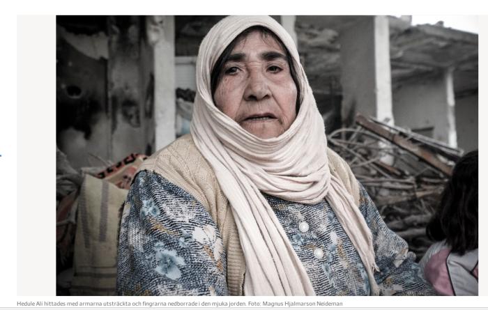Ela foi turcidada, enterrada sob pé de oliva embaixo do qual tomava chá com os netos. Foto de Magnus Hjalmarson Neideman
